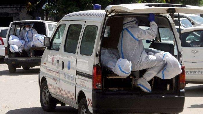 Kisah Petugas Ambulans di India, Angkut 40 hingga 50 Jenazah Pasien Covid-19 Setiap Hari