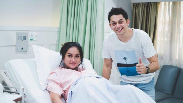 Fakta Kelahiran Anak Pertama Andrew Andika dan Tengku Dewi: Makna Nama Sang Anak hingga Lupa Adzan