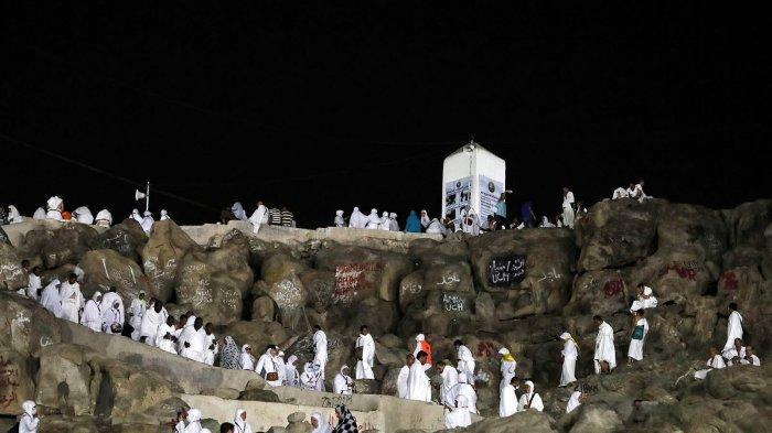 Jamaah haji berada di Arafah.