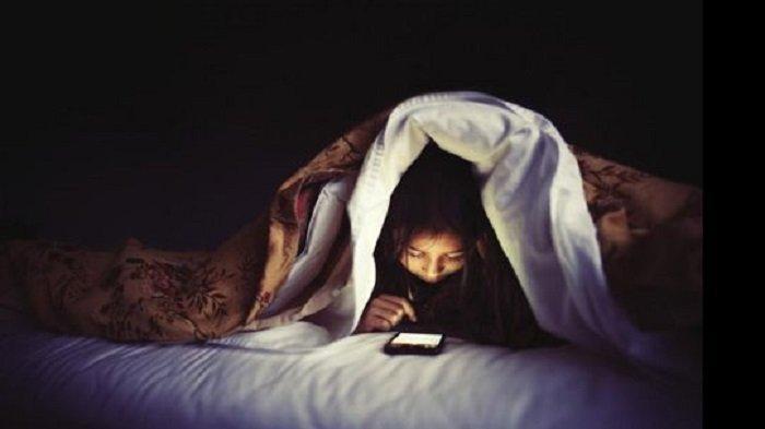 7 Kebiasaan Buruk Pengguna Smartphone yang Harus Dihindari, Dapat Merusak Hubungan Anda
