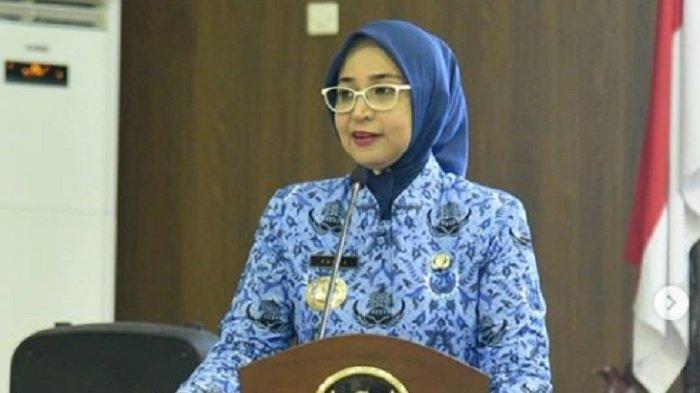 Bupati Jember Faida Dimakzulkan DPRD, Khofifah: Kita Tunggu Fatwa MA