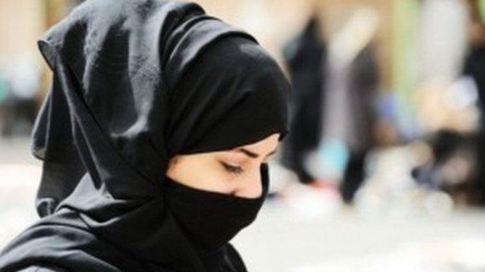 Cerita Islami Pengisi Waktu Ngabuburit: Kisah Wanita yang Tersentuh Hatinya untuk Memeluk Islam