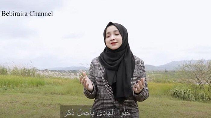 Lirik dan Chord Kunci Gitar Sholawat Hayyul Hadi - Bebiraira: Hadzal-ladzi Saro Laylan