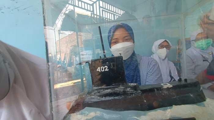 Serda Kom Purwanto Gugur dan Miniatur Kapal Selam KRI Nanggala-402, Istri: Ini Mas yang Bikin
