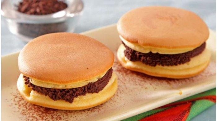Resep Buka Puasa Praktis Sajian Snack: Dorayaki Isi Cokelat dan Pastel Tutup Pan Panggang