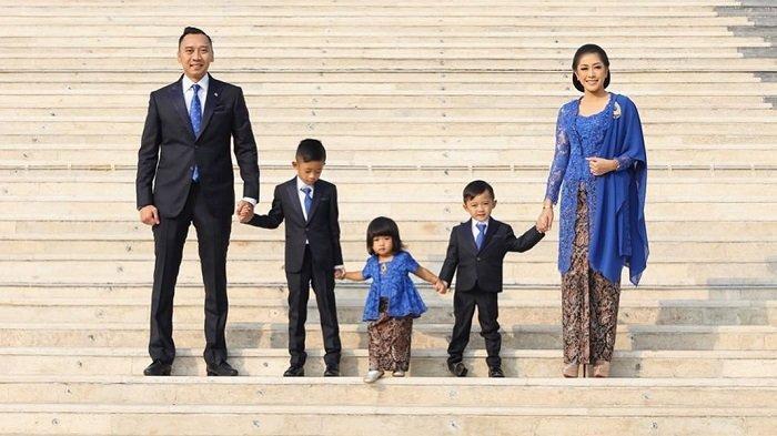 Luapkan Rindu, Gayatri Putri Cilik Ibas Peluk Erat Nisan Ani Yudhoyono saat Temani SBY Berziarah