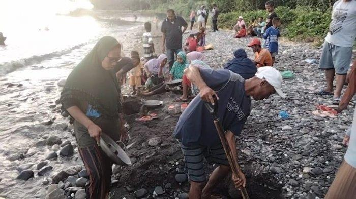 Penemuan Emas di Pulau Seram Maluku: Ratusan Warga Datang Berbekal Alat Dapur untuk Mendulang Emas