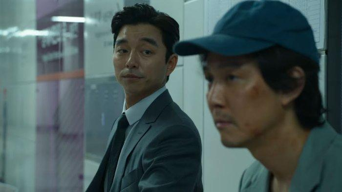 Salesman yang diperankan oleh Gong Yoo dalam serial Squid Game.
