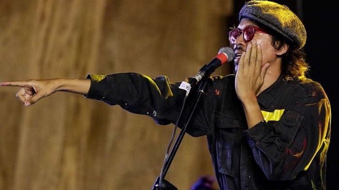 Lirik dan Chord Kunci Gitar Tanah Indah - FSTVLST: Kan Kuajak Mereka yang Merasa Serupa