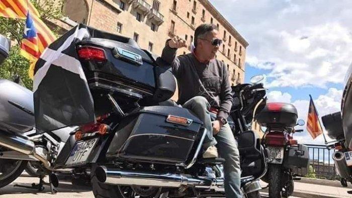 Viral, Mantan Dirkeu Jiwasraya Foto Bareng Motor Harley & Mobil Porsche, Harga Second Ratusan Juta