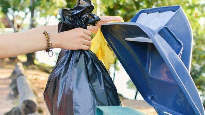 Viral Camat Marah-marah pada Pimpinan Kantor, Kesal Dikira Tukang Sapu dan Disuruh Bersihkan Sampah