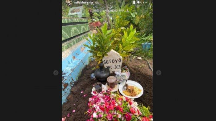 Insta story Nella Karisma di makam sang ayah