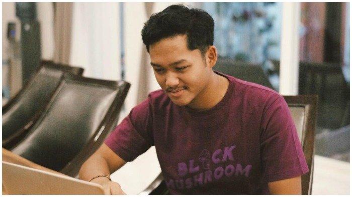 Azriel Hermansyah Positif Covid-19 dan Tangan Kirinya Dipasangi Selang Infus, Krisdayanti Beri Doa