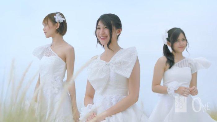 Viral di TikTok, Ini Lirik Lagu dan Chord Gitar Rapsodi - JKT48: Kasih Andai Anganku Bersuara . .