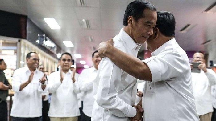 Inilah 4 Momen Hangat 'Pelukan Politik' Sepanjang Tahun 2019: Prabowo, Ahok hingga Surya Paloh