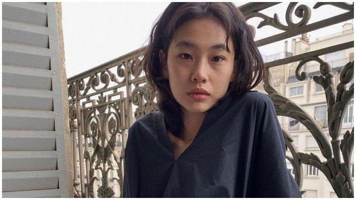 Bintang Squid Game Jung Ho-yeon Jadi Aktris Korea dengan Followers Terbanyak Kedua di Instagram
