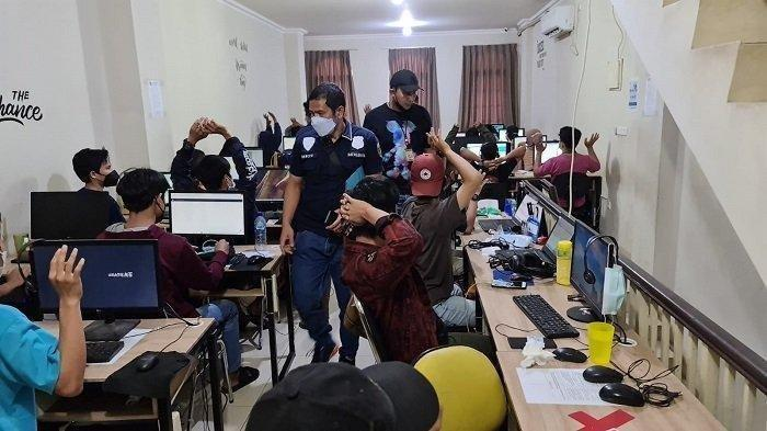 Pinjol Ilegal di Cengkareng dan Cipondoh Digerebek, 56 Orang Diamankan, 13 Perusahaan dalam 1 Ruko