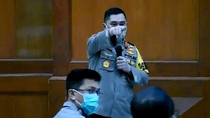 Geram, Kapolda Jatim Usir Kapolsek yang Tidur saat Rapat Covid-19: Keluar, Jangan Main-main!