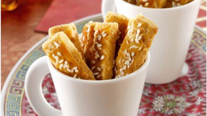 Resep Menu Lebaran Praktis Sajian Kue Kering: Kastengel Keju Bawang dan Kuker Cokelat Mede
