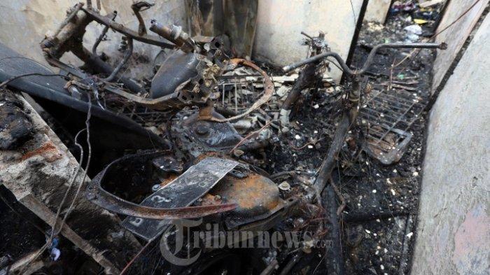 Rumah Kontrakannya Dilalap Api, Sepasang Suami Istri Ditemukan Tewas Berpelukan