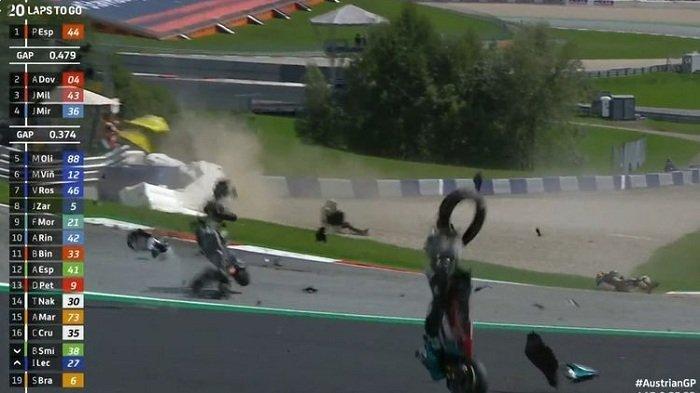 Red Flag pada MotoGP Austria setelah Terjadi Insiden Mengerikan, Kepala Rossi Nyaris Tersambar Motor