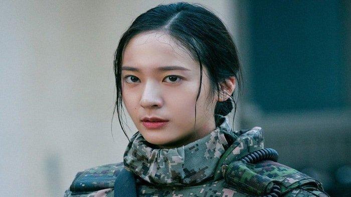 Sinopsis Drama Korea 'Search', Krystal f(x) Tampil Garang dalam Balutan Seragam Militer