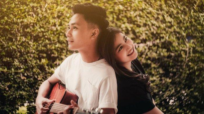 Lirik Lagu & Chord Gitar Pura-Pura Lupa - Mahen: Jangan Datang Lagi Cinta Bagaimana Aku Bisa Lupa