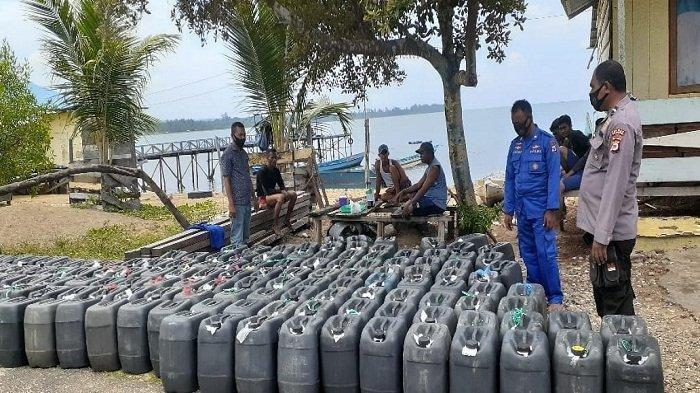Polairud Polda Maluku Gagalkan Penyelundupan 5 Ton Sopi yang Akan Dikirim ke Papua Barat