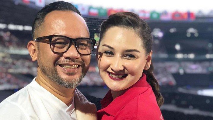 Rayakan Anniversary ke-19 bersama Indra Brasco, Mona Ratuliu: Semoga Kami Panjang Jodoh