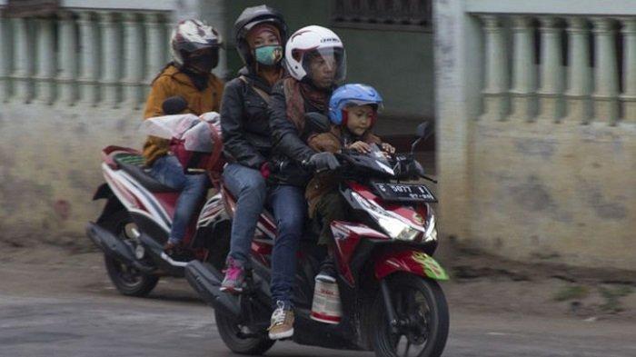 Tips Berkendara Motor dengan Aman di Tengah Pandemi Covid-19