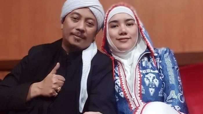 Selamat! Opick dan Bebi Silvana Dikaruniai Anak Pertama setelah 3 Tahun Menikah