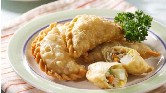Resep Camilan Buka Puasa Sajian yang Praktis dan Lezat, Pisang Goreng Cokelat Kacang dan Pastel Ayam