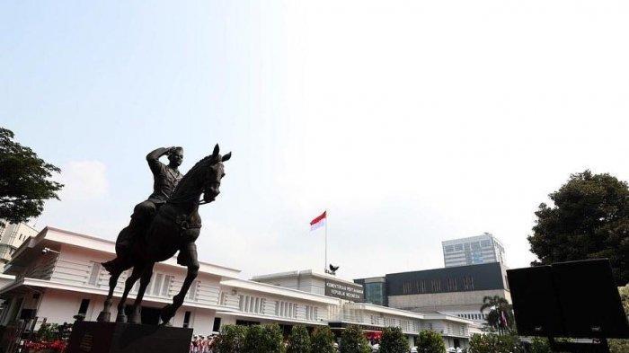 Patung Soekarno di Kantor Kemenhan RI Diresmikan, Ini Deretan Foto Kebersamaan Prabowo dan Megawati