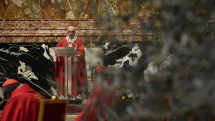 Saat Misa Minggu Palma, Paus Fransiskus Doakan Korban Ledakan Bom Gereja Katedral Makassar