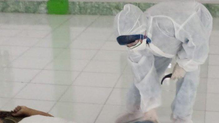 Pria di Bogor Meninggal setelah Salat Jumat, Dievakuasi Petugas Berpakaian APD, Begini Kronologinya