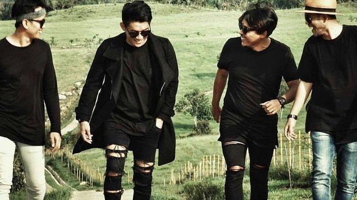 Ifan Seventeen Mengaku Merasa Lega 'Film Kemarin' Siap Tayang 3 Desember