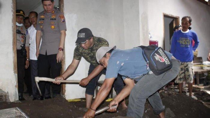 Ditemukan Jasad Pria Asal Jember Dicor di Bawah Musala Terbungkus Sarung, Diduga Korban Pembunuhan