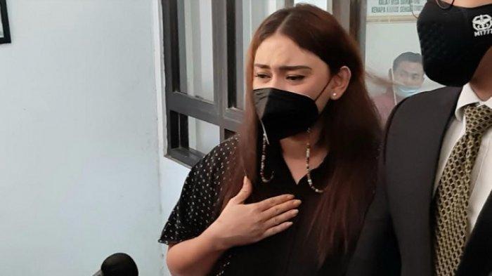 Mediasi dengan Dennis Lyla Gagal, Thalita Latief Unggah Curhatan di Medsos: Aku jadi Tambah Kuat