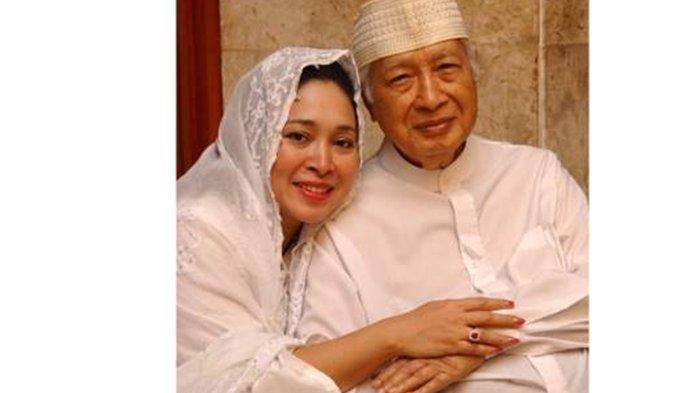 Bagikan Foto Lawas Bersama Mendiang Soeharto, Titiek Soeharto Kenang Momen Perayaan Ultahnya ke-19