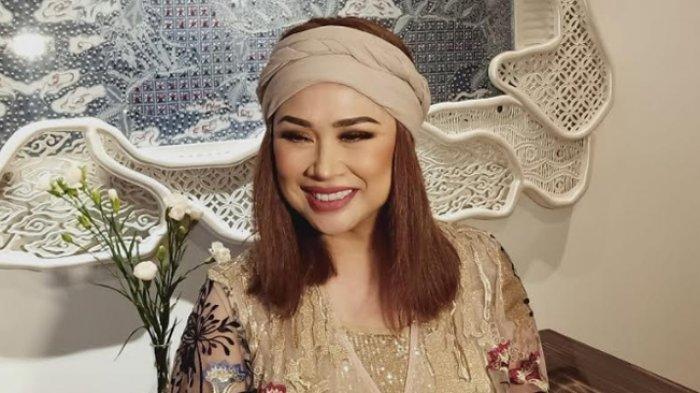 Lirik Lagu dan Chord Kunci Gitar Sang Dewi - Titi DJ: Walaupun Dirimu Tak Bersayap Ku akan Percaya