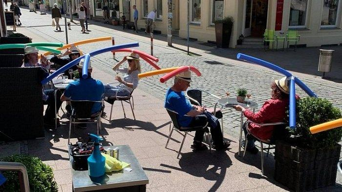 Unik, Kafe di Jerman Beri Pelanggan Topi Seperti Baling-baling, Ini Tujuannya