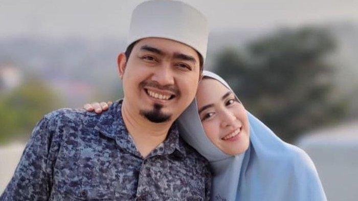 Ustaz Solmed Berulang Tahun ke-38, April Jasmine: Hatiku Menangis Membayangkan Perasaan Suamiku