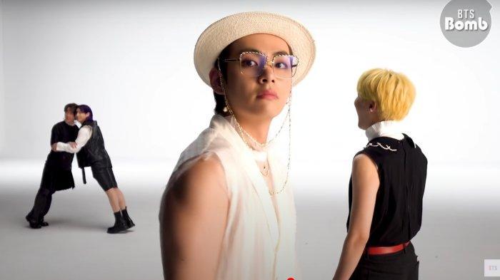 Dalam Behind The Scene Syuting Video Klip 'Butter', V BTS Pamer Caranya Melatih Otot Lengan