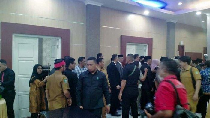Detik-detik Wagub Maluku Utara Ngamuk saat Gubernur Lantik 11 Pejabat Eselon II: Kita Kan Satu Paket