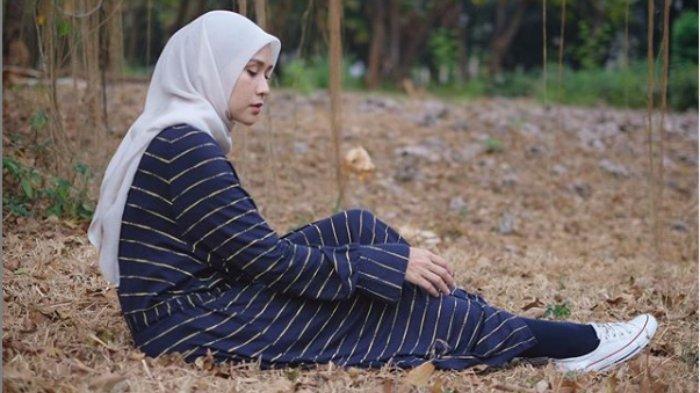 Unggah Video Warga Keliling Bangunkan Sahur, Zaskia Mecca: Ini Ga Pake Toa Masjid, Jadi Ku Ga Komen