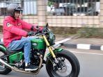 presiden-republik-indonesia-joko-widodo-naik-motor.jpg