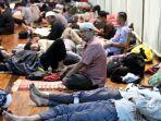 umat-islam-melakukan-itikaf-di-masjid.jpg