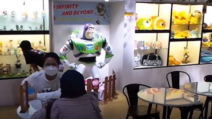 TRAVEL UPDATE: 3 Brothers Cafe, Kafe Unik di Tangerang dengan Koleksi Tokoh Kartun Film dan Anime