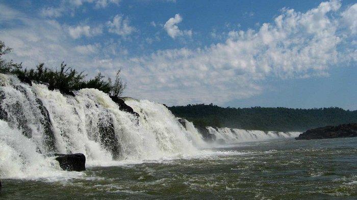 Uniknya Air Terjun Mocona, Hanya Terlihat Selama 150 Hari dalam Setahun