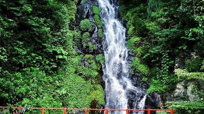 TRAVEL UPDATE: Menikmati Udara Sejuk dan Keindahan Alam Air Terjun Sumuran di Magelang